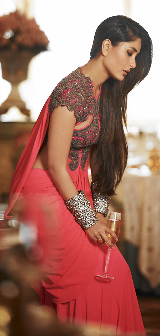 [Image: Kareena-Kapoor-Royal-In-Red-Saree.jpg]