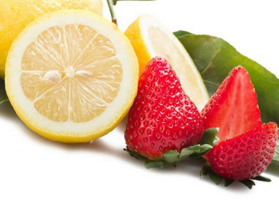 Strawberry with lemon juice