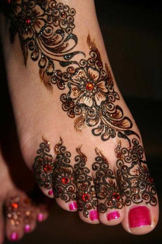 glitter mehndhi design