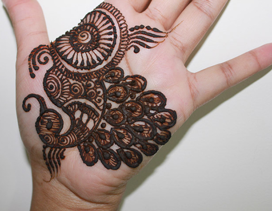 20 Appealing Peacock Mehndi Designs For Hands And Legs