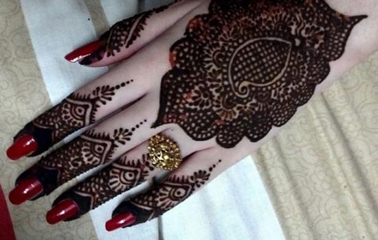 Back Hand Simple Mehndi Pattern