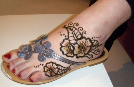 Beautiful-Arabic-Eid-Mehndi-design-like-a-floral-mehndi-design-2012-2013-Collection-05b 118