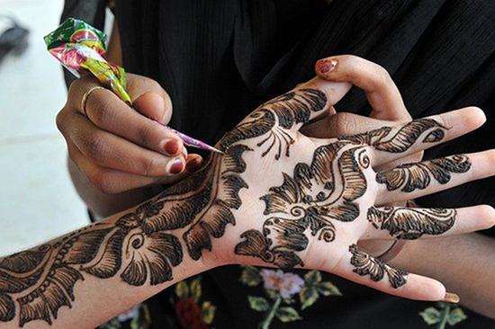 Dubai Floral Mehndi Pattern
