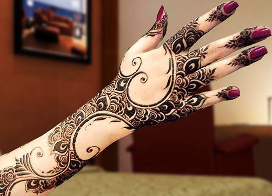 Easy and appealing Eid mehndi design