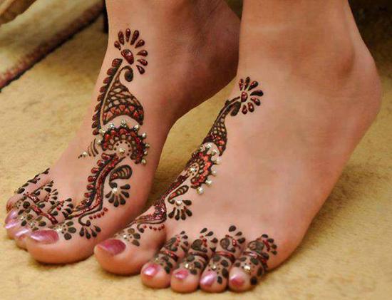 Glittering Art Mehndi Design