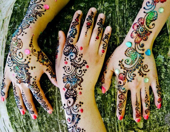 Glitters And Stones Dubai Mehndi Style