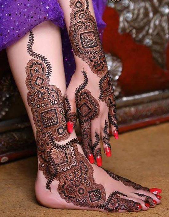 Hand feet striking mehnid design