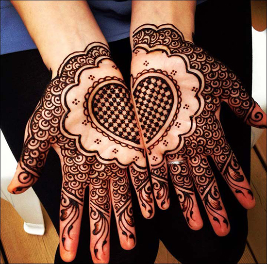 Heart And Circle Shape Dubai Mehndi Motif