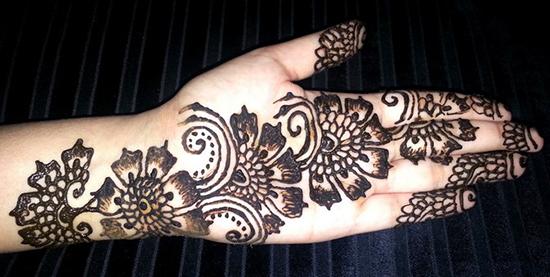 Indian Arabic Floral Mehndi Design