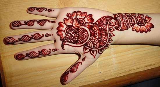 Red Peacock Mehndi Design For Eid