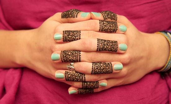 Ring Style Mehndi Motif