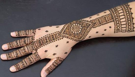Simplest Indian Mehndi Design