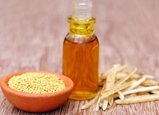 Fenugreek seeds with mustard oil