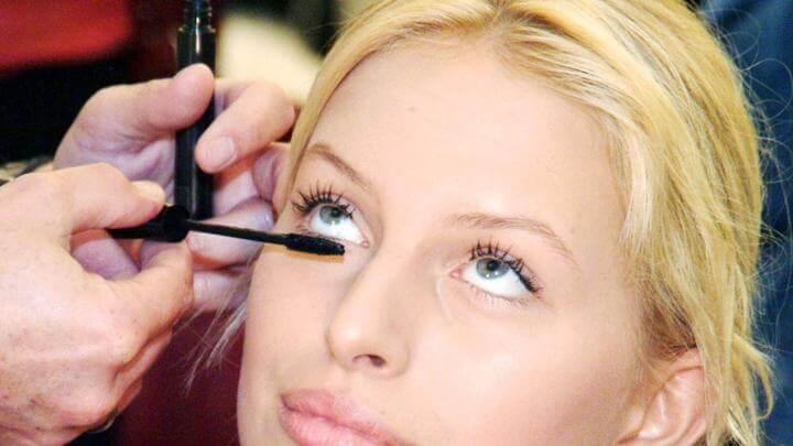 ef0d18ba60e 8 eyelash serum that has you ditching the mascara