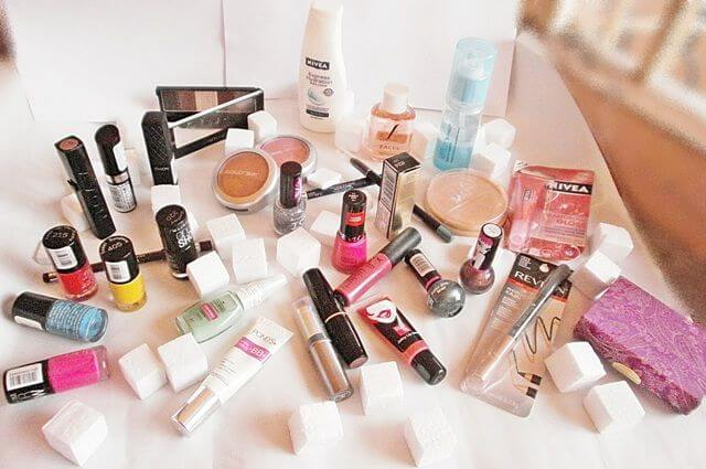 Here Are 5 Fantastic Reasons Why You Should Try Online Cosmetics and Beauty Products Shopping