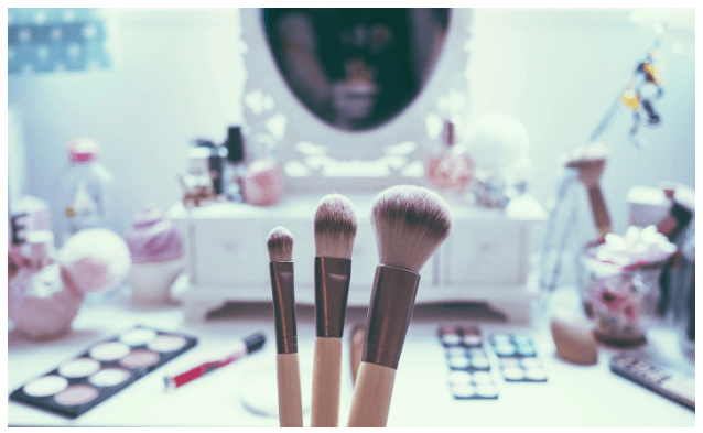 5 Ways to Sensibly Clean and Disinfect Your Makeup