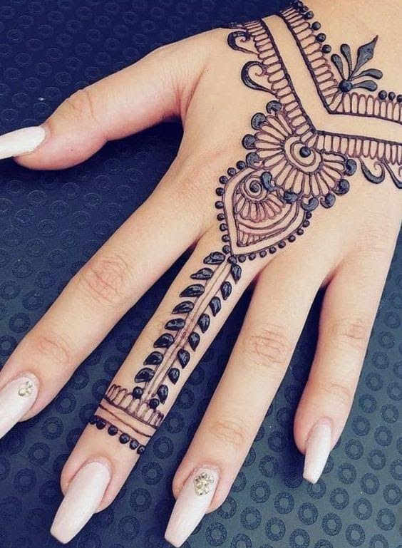 Quick ways to remove the henna tattoo from the skin using natural ingredients: